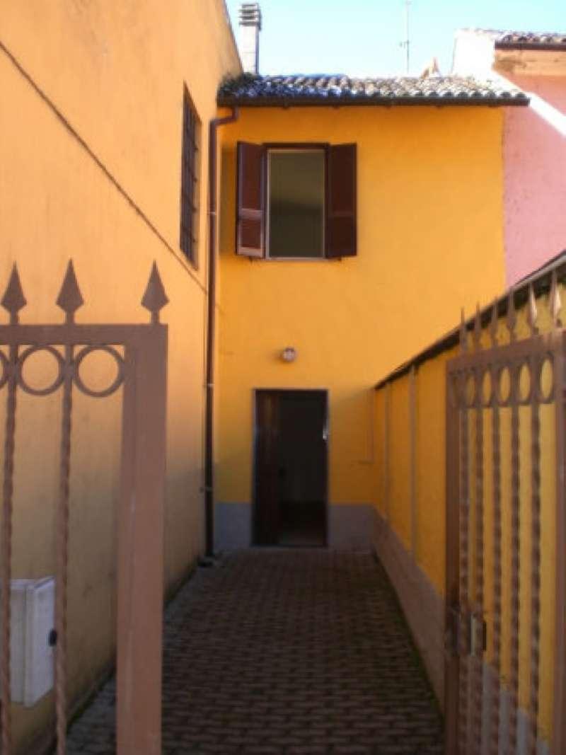 Soluzione Indipendente in affitto a Garlasco, 3 locali, prezzo € 400 | CambioCasa.it