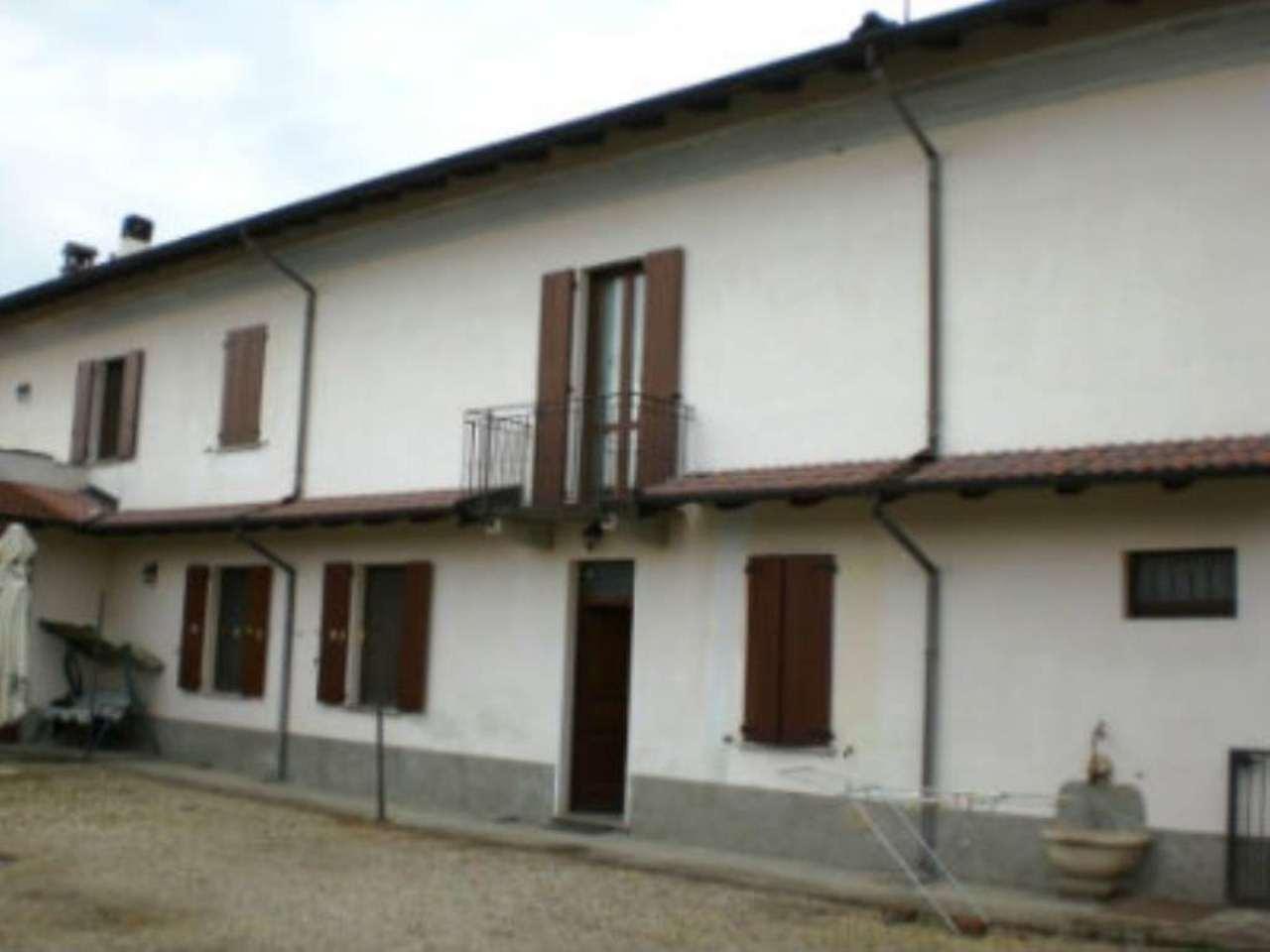 Soluzione Indipendente in vendita a Garlasco, 11 locali, prezzo € 200.000 | Cambio Casa.it