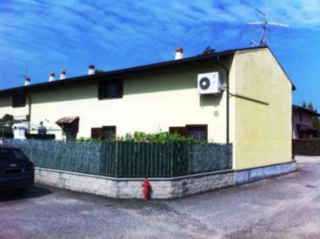 Villa Bifamiliare in vendita a Garlasco, 6 locali, prezzo € 179.000 | Cambio Casa.it