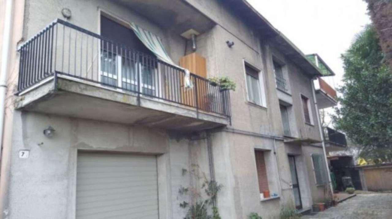 Appartamento in vendita a Ceriano Laghetto, 3 locali, prezzo € 54.000 | Cambio Casa.it