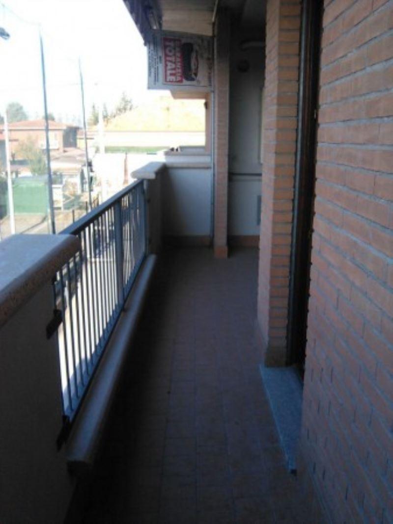 Bilocale Turate Via Grazia Deledda 4