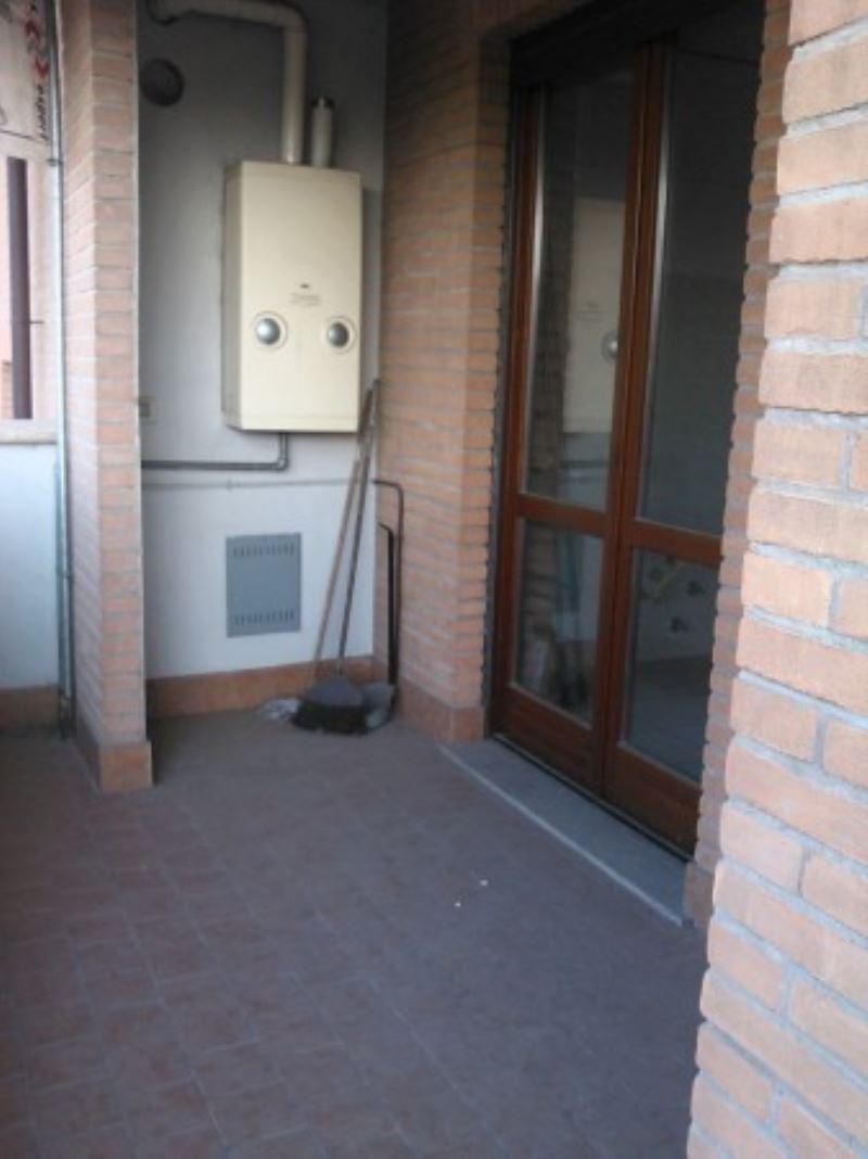 Bilocale Turate Via Grazia Deledda 6