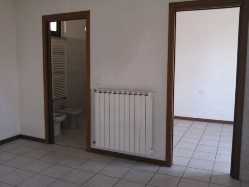 Bilocale Turate Via Grazia Deledda 8
