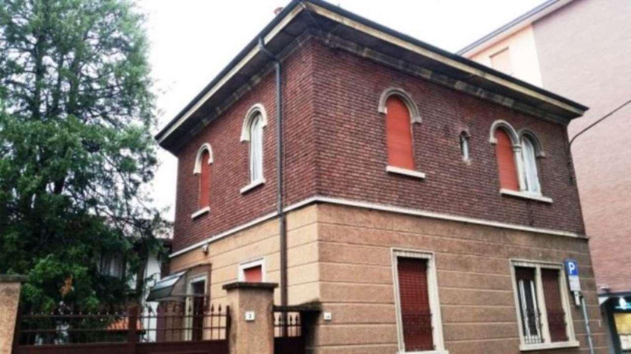 Villa in vendita a Saronno, 6 locali, prezzo € 530.000 | Cambio Casa.it