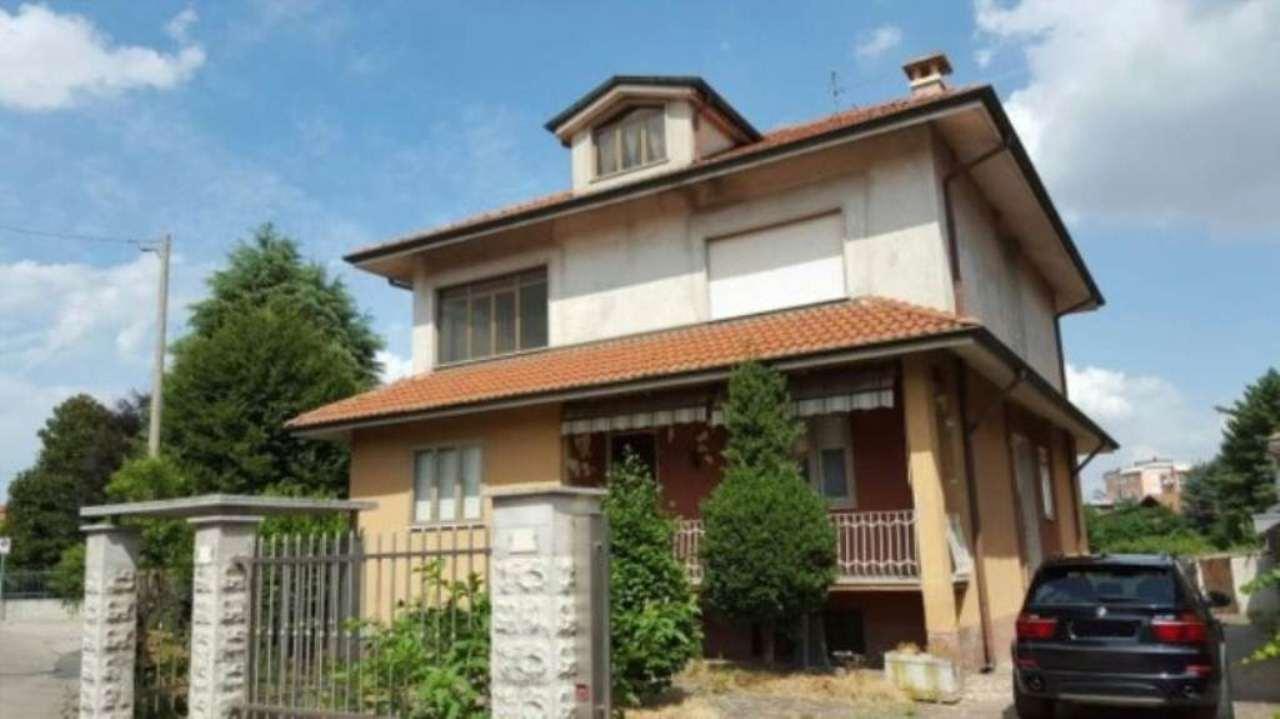 Villa in vendita a Uboldo, 6 locali, prezzo € 380.000 | Cambio Casa.it