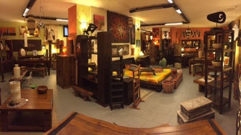 Negozio / Locale in vendita a Cogliate, 5 locali, prezzo € 450.000 | Cambio Casa.it