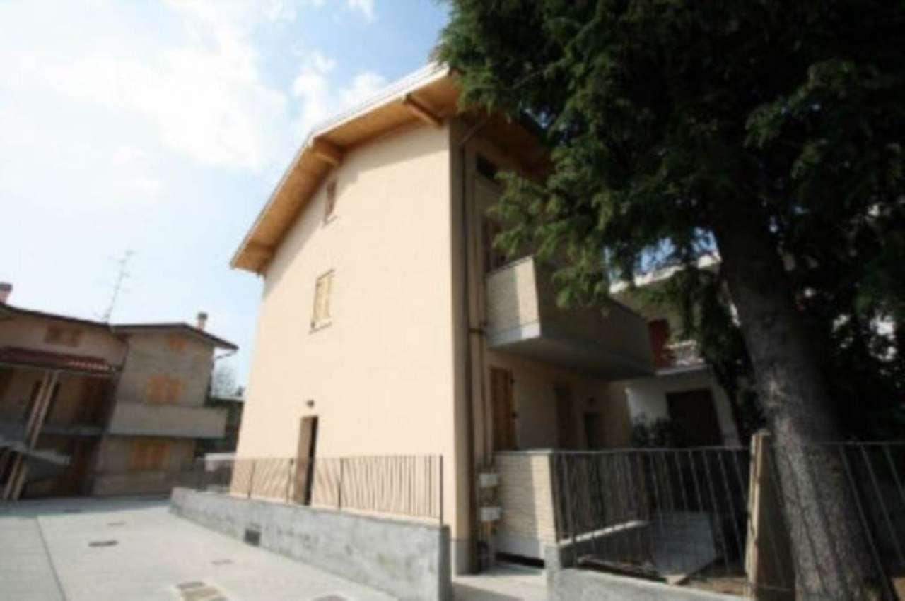 Villa in vendita a Saronno, 6 locali, prezzo € 455.000 | Cambio Casa.it