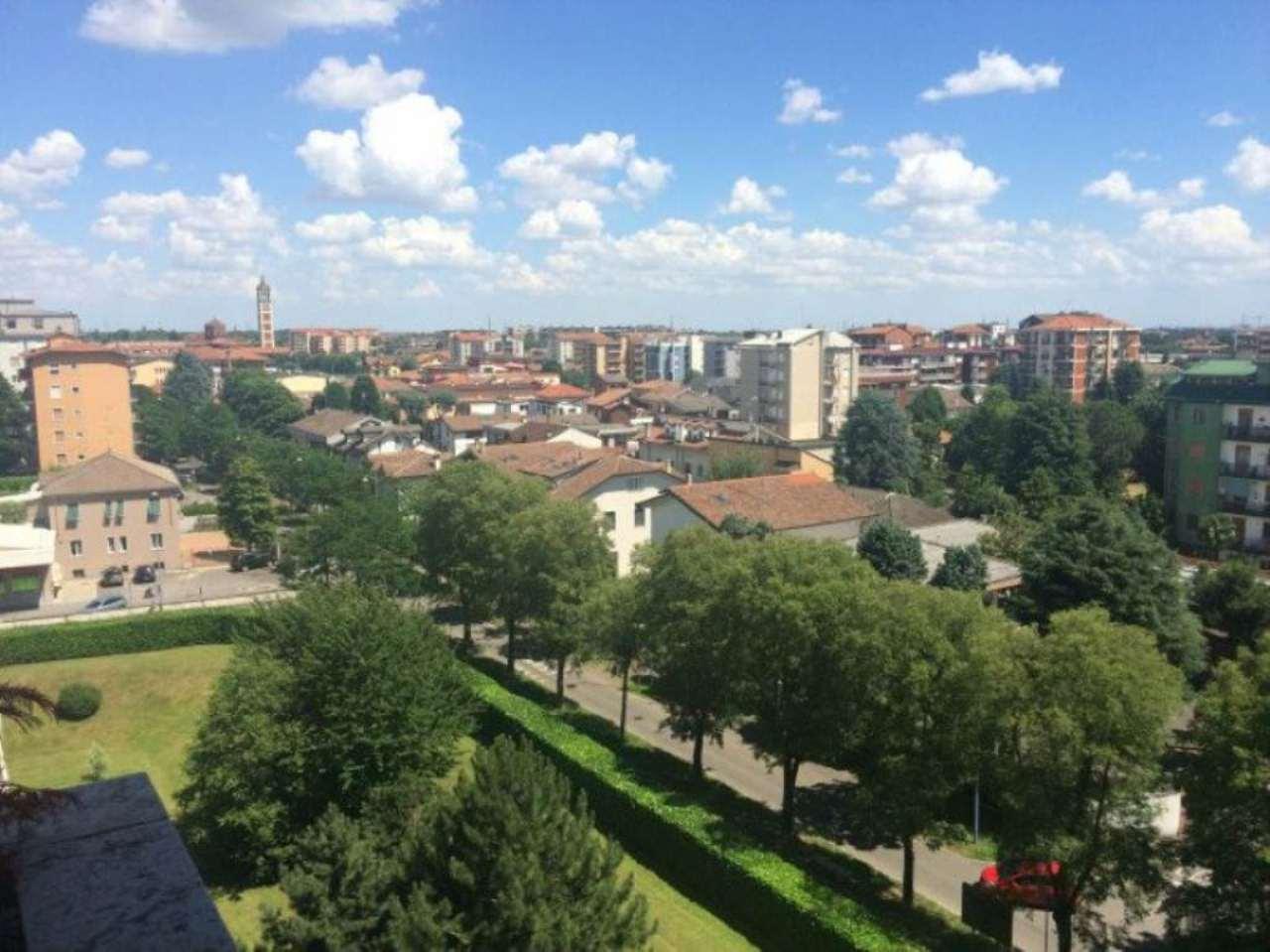 Appartamento in vendita a Garbagnate Milanese, 3 locali, prezzo € 140.000   Cambio Casa.it
