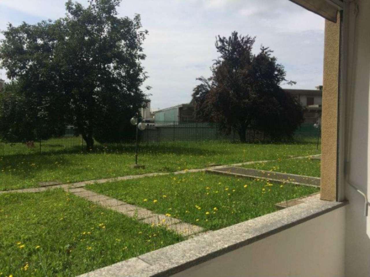 Bilocale Caronno Pertusella Via Matteotti 2