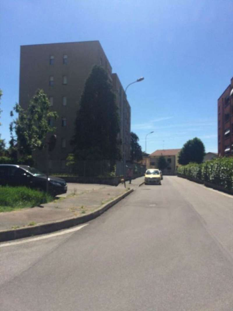 Bilocale Caronno Pertusella Via Matteotti 12