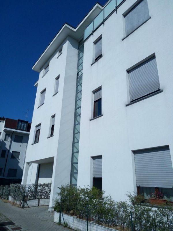 Vendita  bilocale Caronno Pertusella Via Trieste 1 1083938