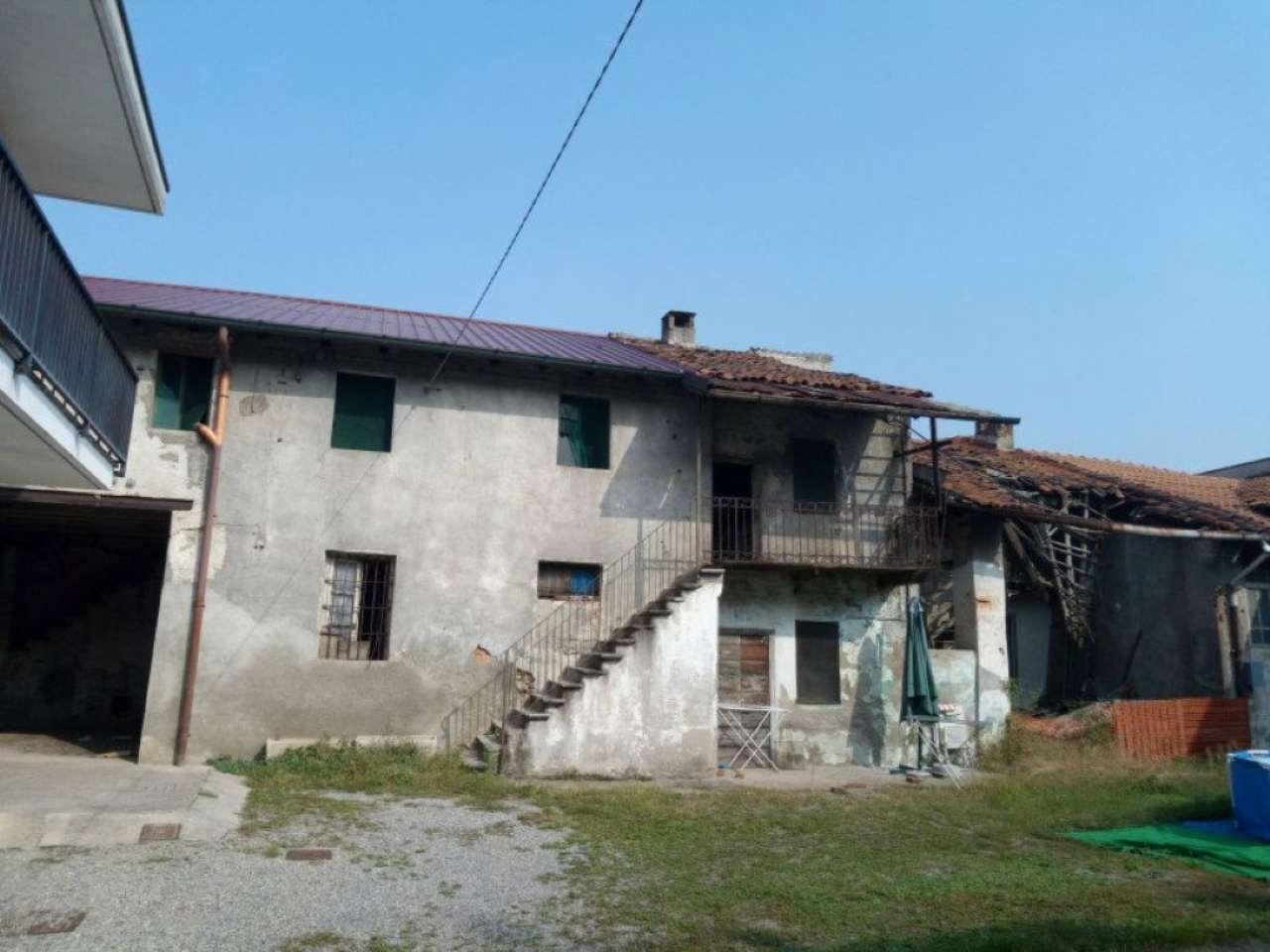 Rustico / Casale in vendita a Rovello Porro, 6 locali, prezzo € 65.000 | Cambio Casa.it