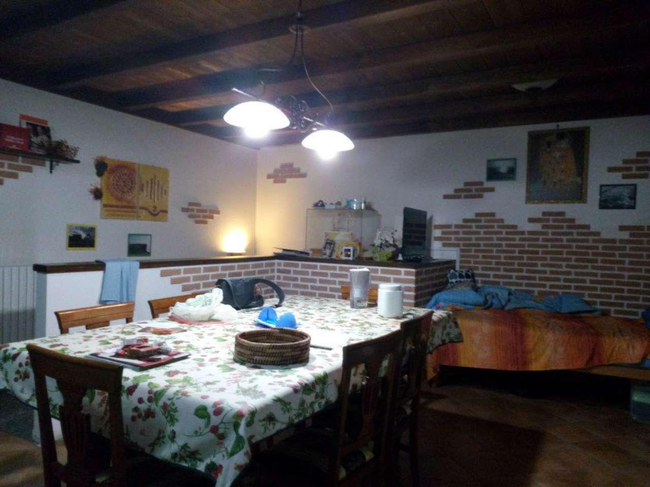 Appartamento in vendita a Rescaldina, 3 locali, prezzo € 120.000 | Cambio Casa.it
