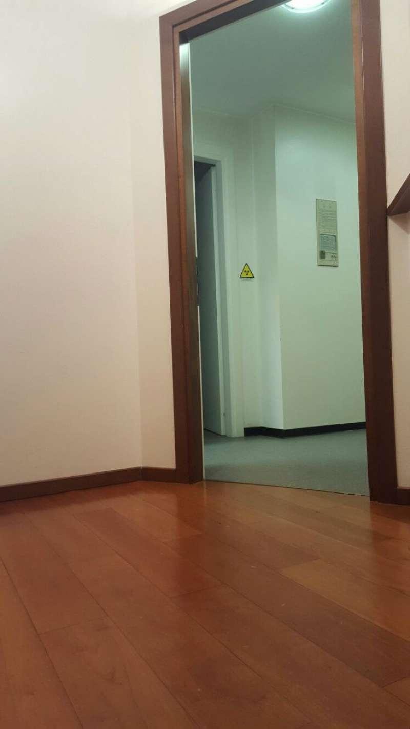 Appartamento in vendita a Uboldo, 4 locali, prezzo € 135.000   Cambio Casa.it