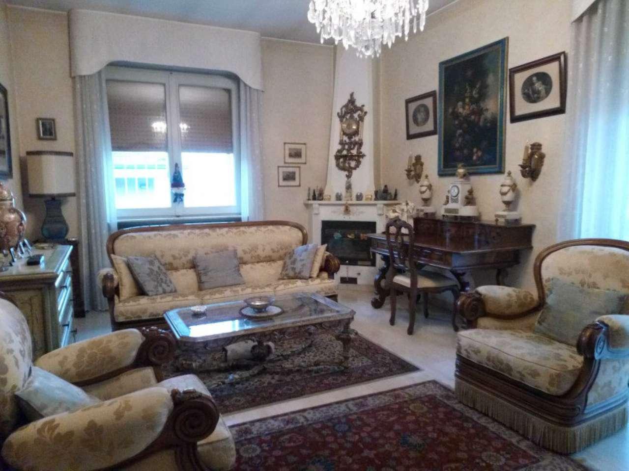 Villa in vendita a Caronno Pertusella, 6 locali, prezzo € 449.000 | Cambio Casa.it