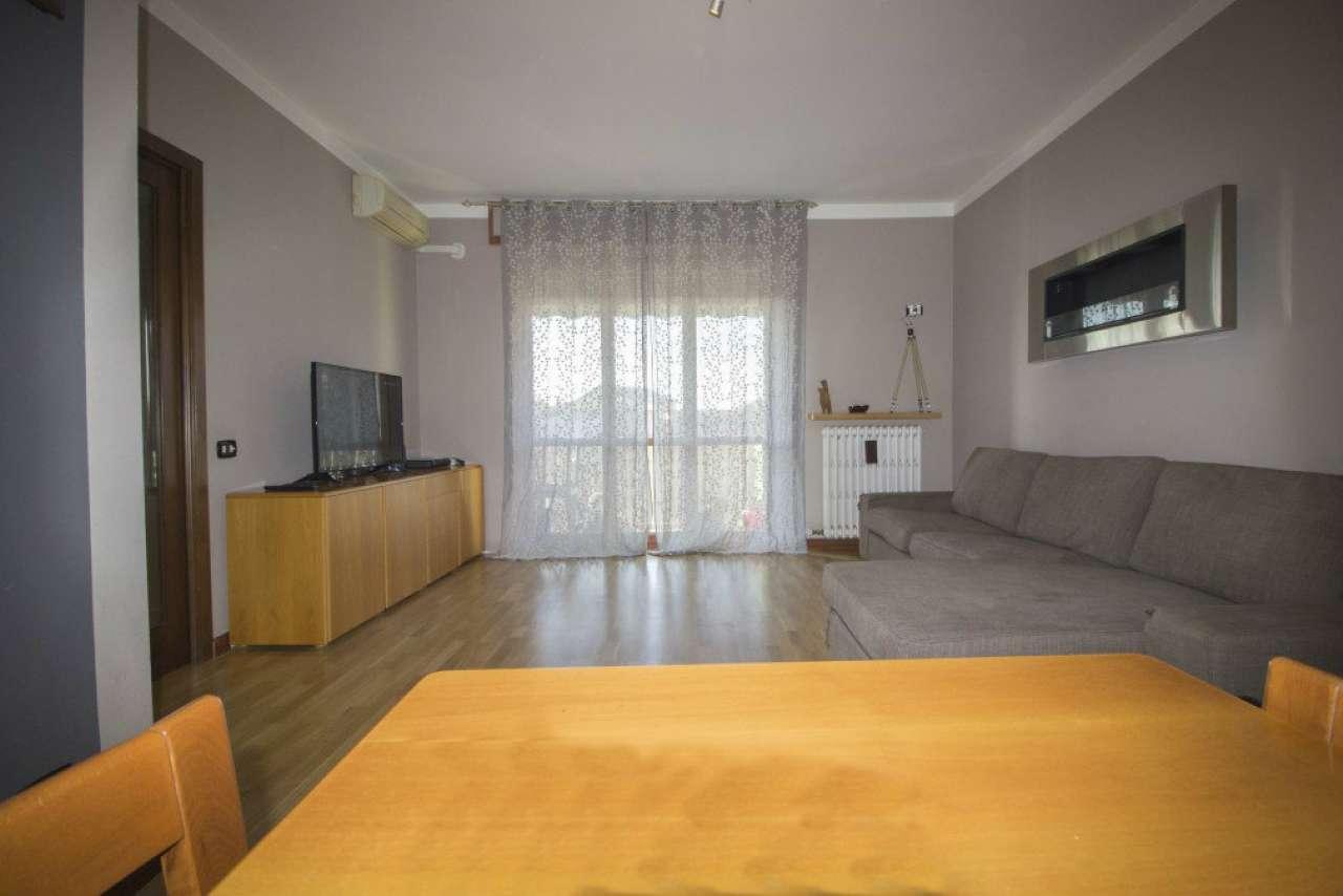 Appartamento in vendita a Uboldo, 3 locali, prezzo € 135.000   Cambio Casa.it