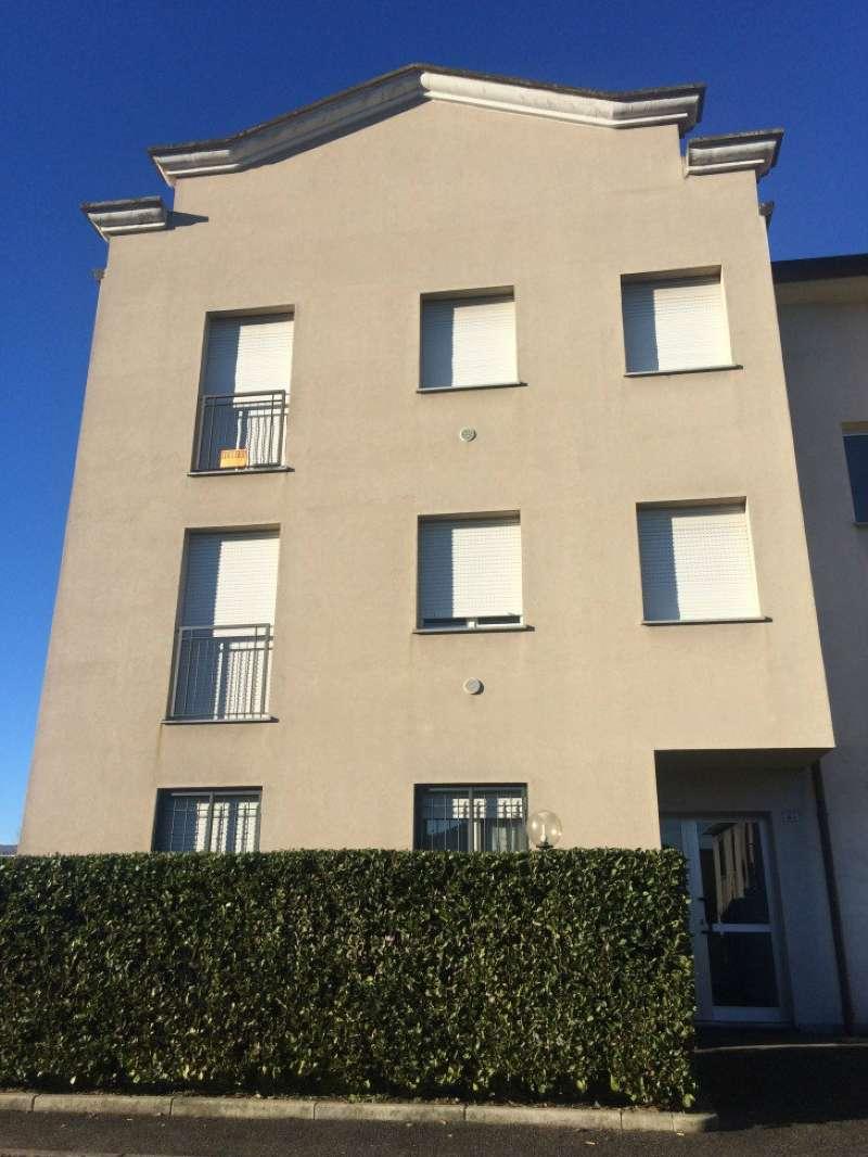 Appartamento in vendita a Rovellasca, 2 locali, prezzo € 100.000 | Cambio Casa.it