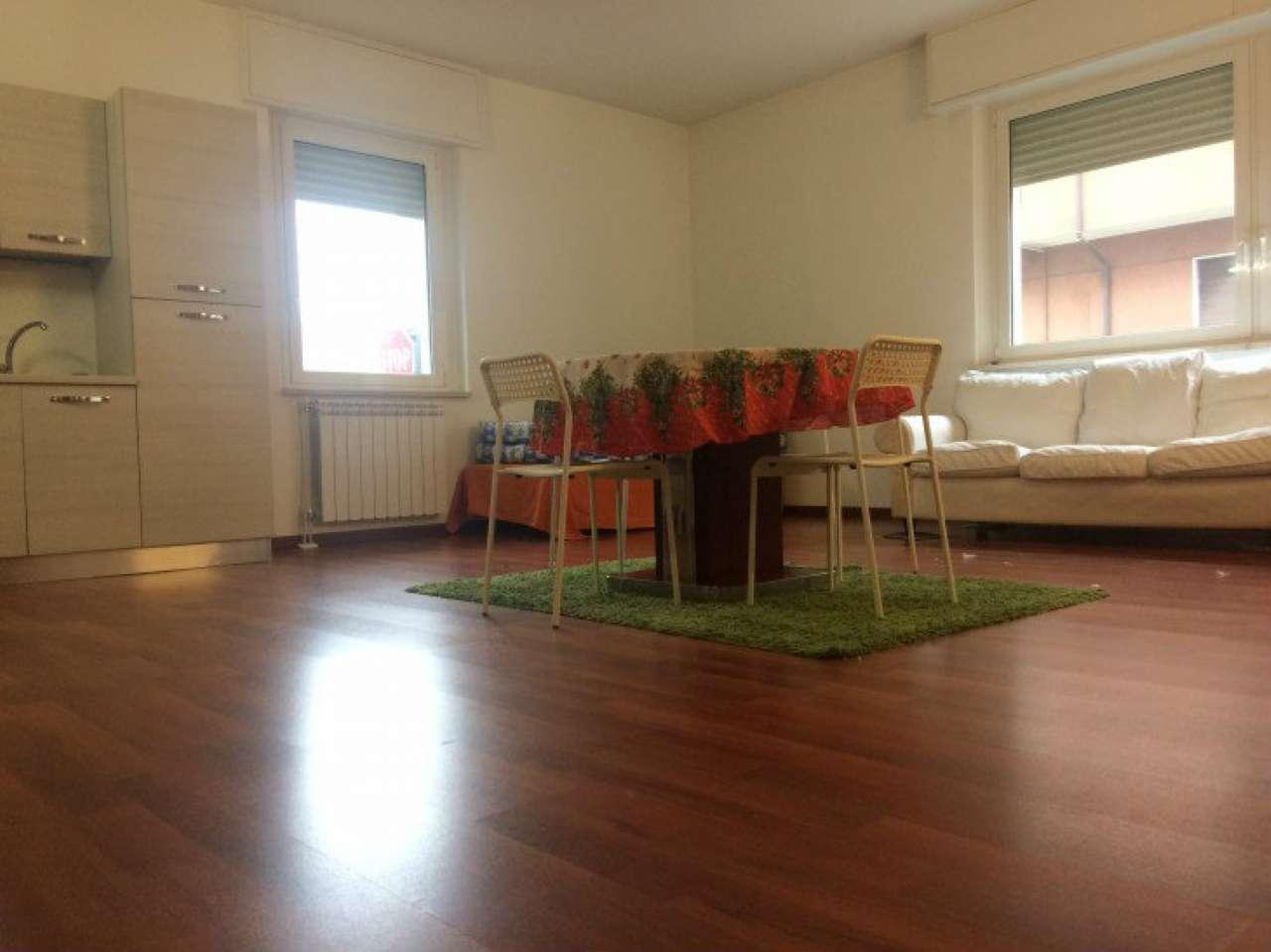 Appartamento in vendita a Baranzate, 3 locali, prezzo € 120.000 | Cambio Casa.it