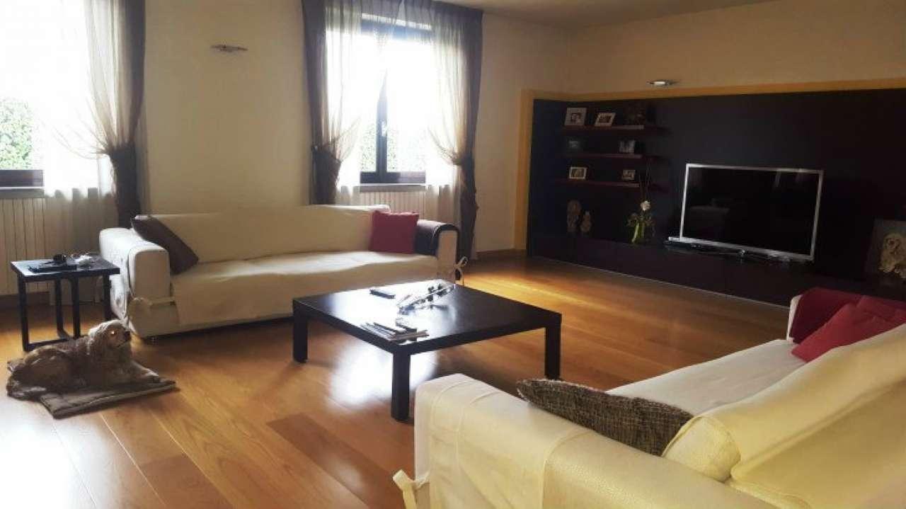 Villa in vendita a Saronno, 4 locali, prezzo € 480.000   Cambio Casa.it