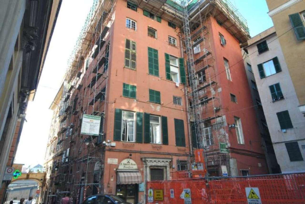 Bilocale Genova Piazza S. Giorgio 9