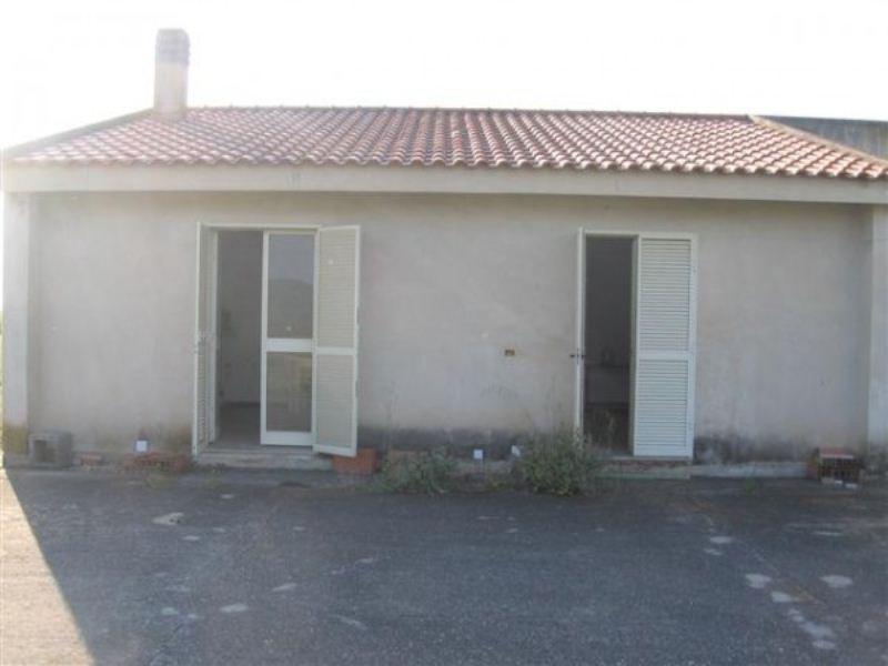 Soluzione Indipendente in vendita a Giba, 4 locali, prezzo € 75.000 | Cambiocasa.it