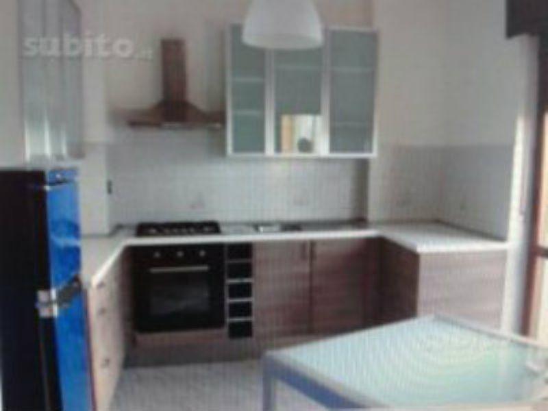 Appartamento in vendita a Montanaro, 4 locali, prezzo € 85.000 | CambioCasa.it