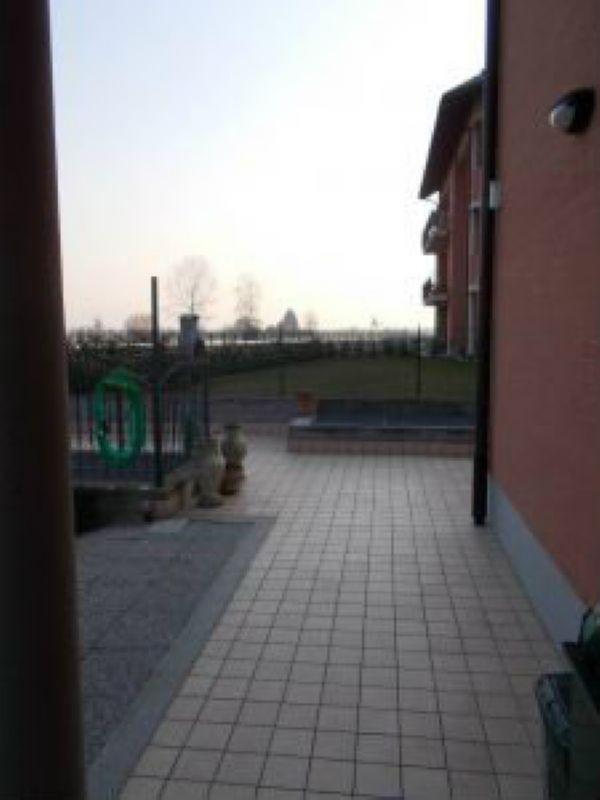 Bilocale Chivasso Via Mazze' 11