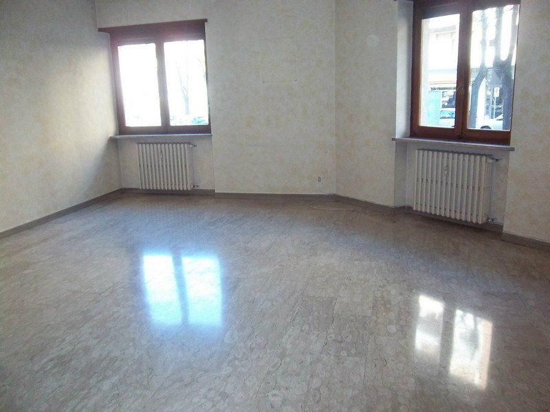 Appartamento in affitto a Chivasso, 3 locali, prezzo € 480 | CambioCasa.it