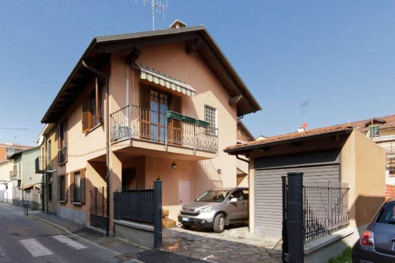 Villa in vendita a Chivasso, 6 locali, prezzo € 290.000 | Cambio Casa.it