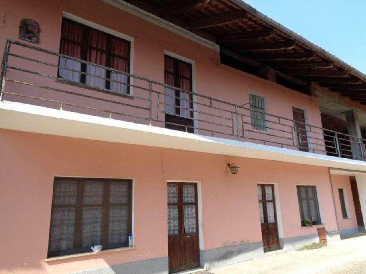 Soluzione Indipendente in vendita a Chivasso, 5 locali, prezzo € 145.000 | Cambio Casa.it