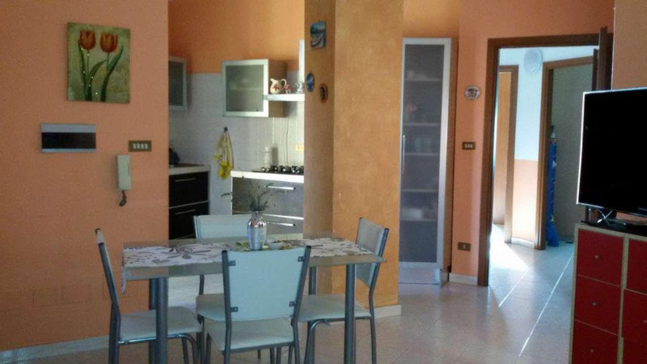 Soluzione Indipendente in affitto a Chivasso, 4 locali, prezzo € 480 | Cambio Casa.it