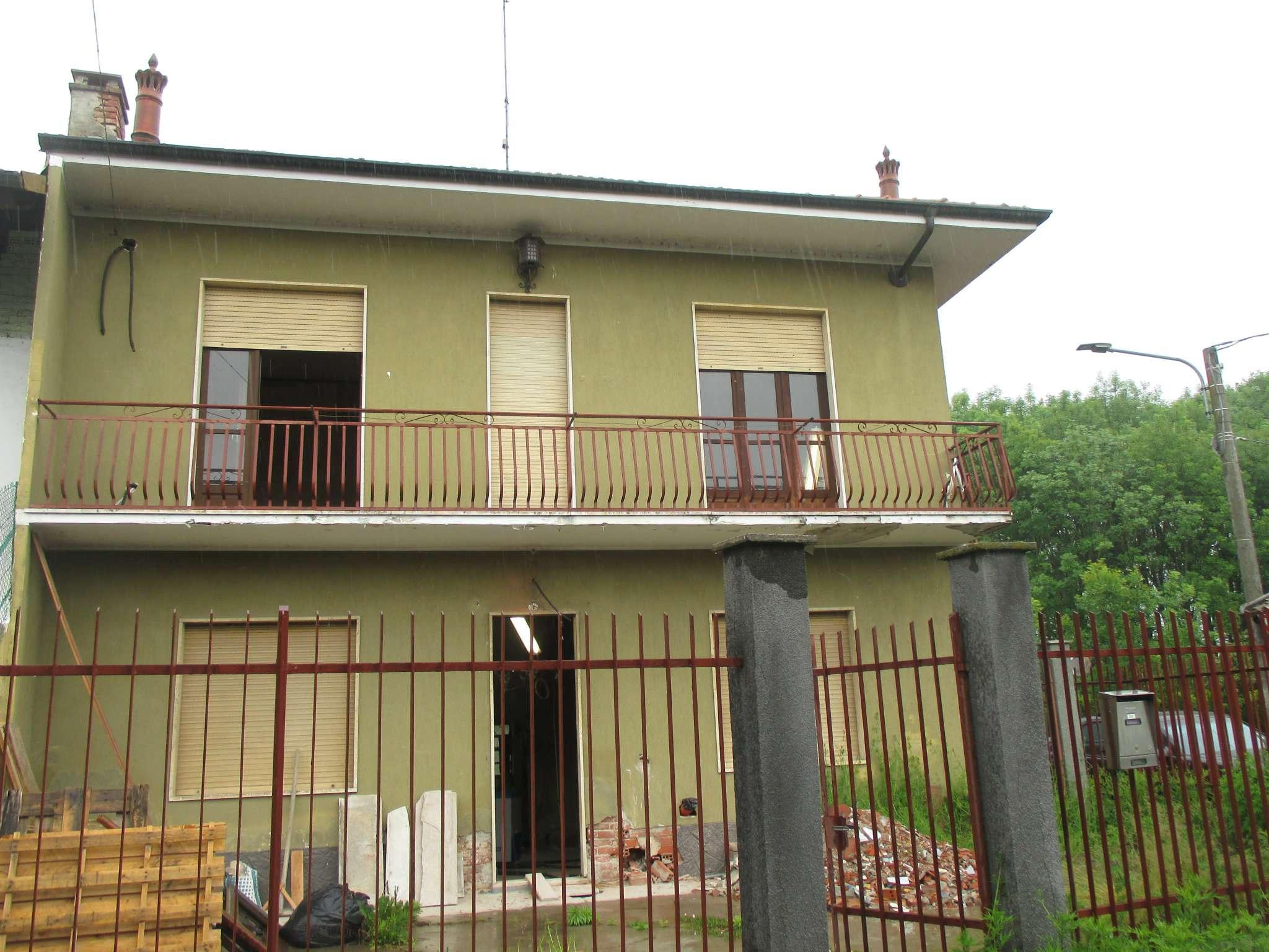 Soluzione Indipendente in vendita a Chivasso, 4 locali, prezzo € 120.000 | CambioCasa.it