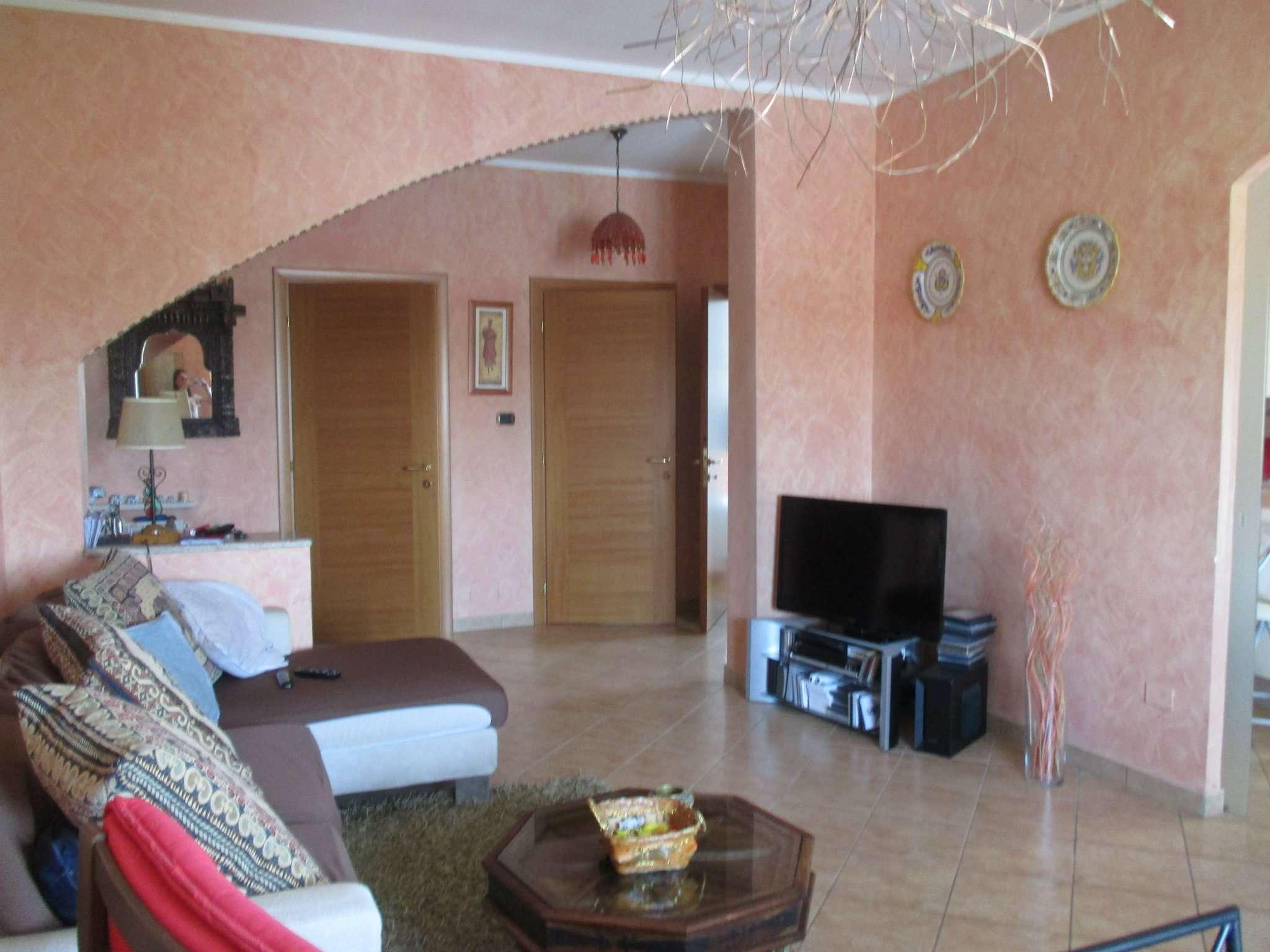 Appartamento in vendita a Rondissone, 4 locali, prezzo € 100.000 | CambioCasa.it