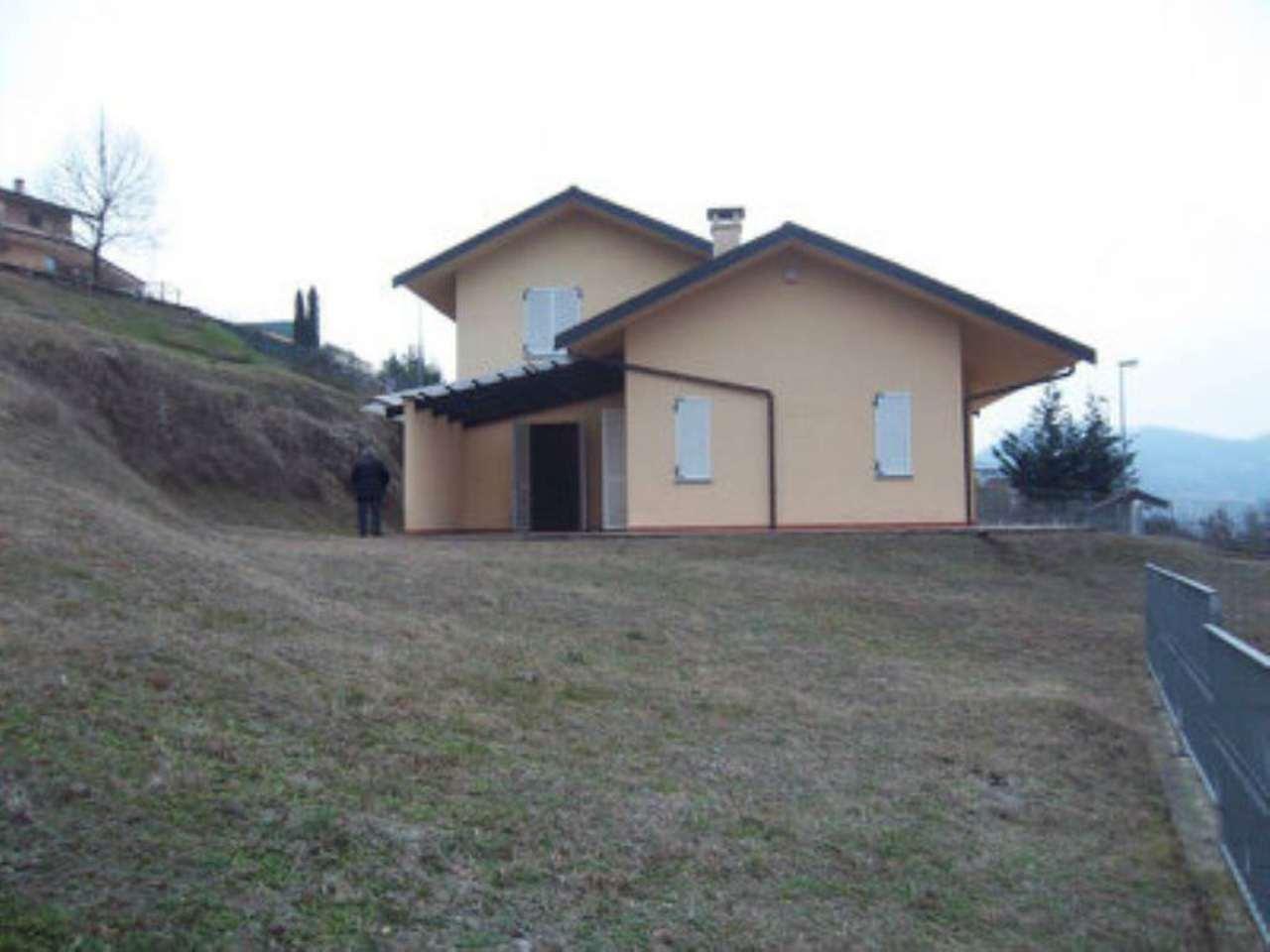 Soluzione Indipendente in vendita a San Sebastiano da Po, 9 locali, prezzo € 350.000 | Cambio Casa.it