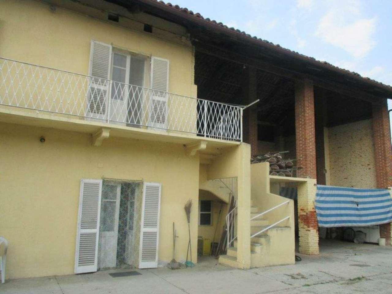 Rustico / Casale in vendita a Chivasso, 6 locali, prezzo € 143.000 | Cambio Casa.it