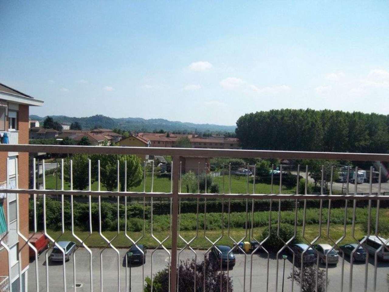 Appartamento in vendita a Crescentino, 6 locali, prezzo € 105.000 | Cambio Casa.it