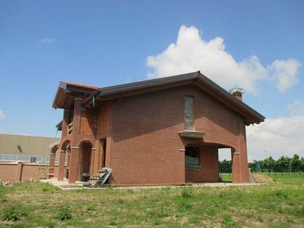 Villa in vendita a Torrazza Piemonte, 7 locali, prezzo € 350.000 | Cambio Casa.it