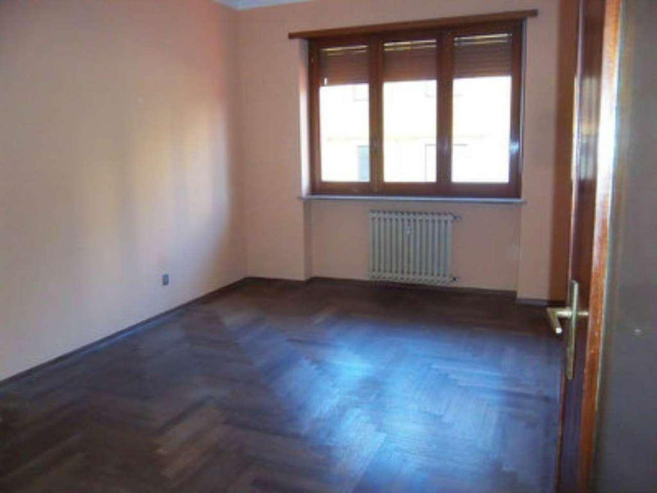 Appartamento in affitto a Chivasso, 4 locali, prezzo € 450 | Cambio Casa.it