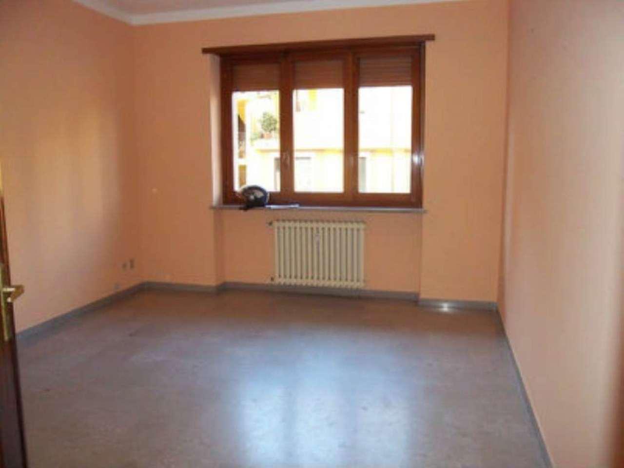 Appartamento in affitto a Chivasso, 4 locali, prezzo € 430 | Cambio Casa.it