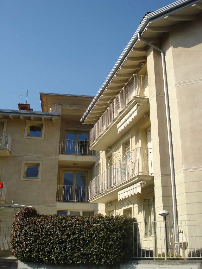 Appartamento in vendita a Costa Volpino, 5 locali, prezzo € 165.000 | CambioCasa.it