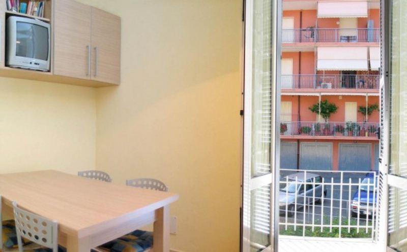 Appartamento in vendita a Varazze, 3 locali, prezzo € 280.000 | CambioCasa.it