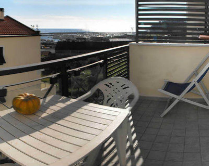 Appartamento in vendita a Varazze, 6 locali, prezzo € 495.000 | CambioCasa.it