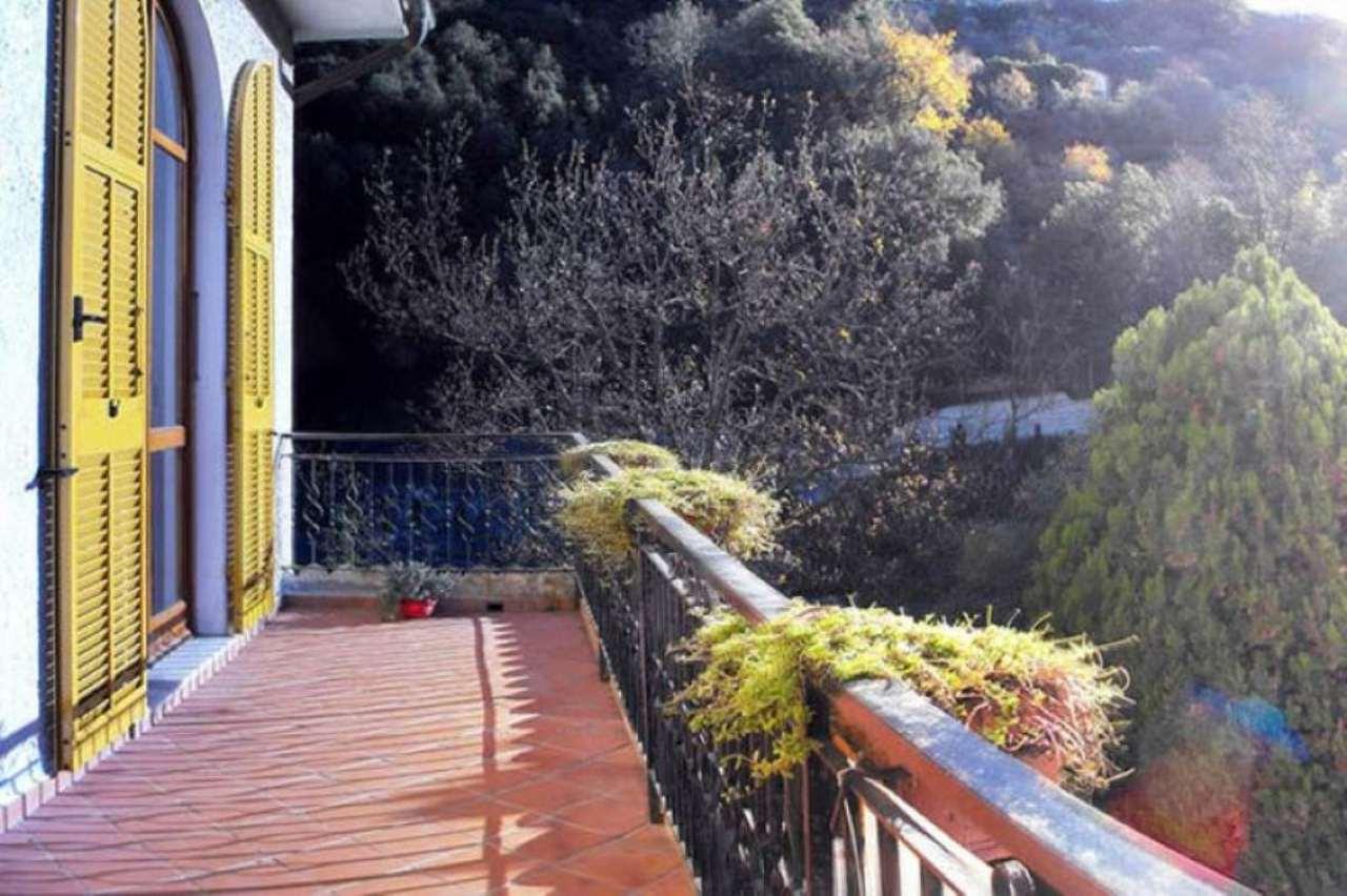 Appartamento in vendita a Varazze, 6 locali, prezzo € 380.000 | CambioCasa.it