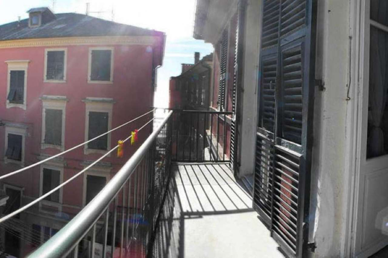 Appartamento in vendita a Varazze, 8 locali, prezzo € 500.000   CambioCasa.it