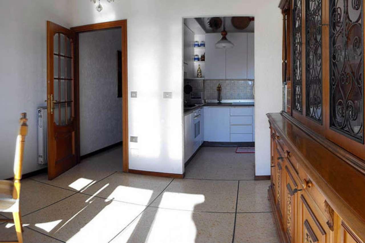 Appartamento in vendita a Varazze, 7 locali, prezzo € 330.000   CambioCasa.it