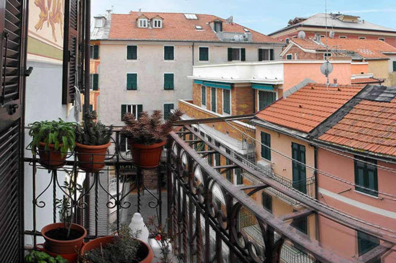Appartamento in vendita a Varazze, 6 locali, prezzo € 295.000 | CambioCasa.it