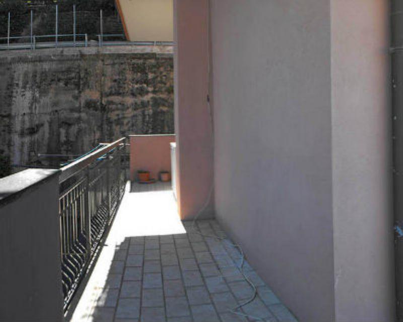 Appartamento in vendita a Varazze, 4 locali, prezzo € 230.000 | Cambio Casa.it