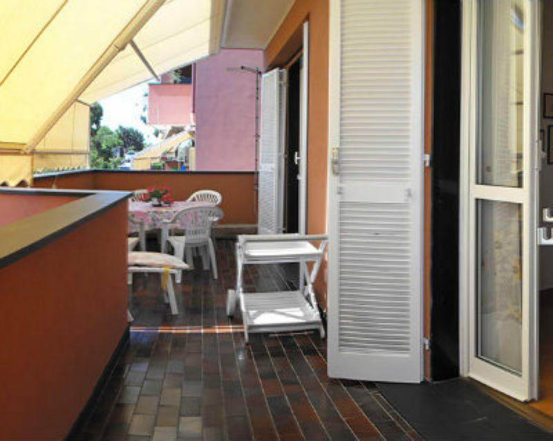 Appartamento in vendita a Varazze, 6 locali, prezzo € 380.000 | Cambio Casa.it