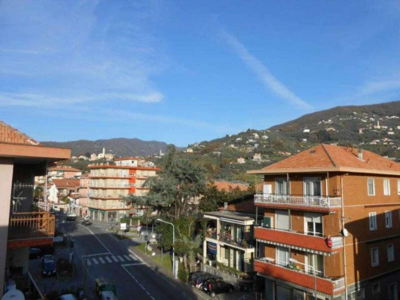 Appartamento in vendita a Cogorno, 7 locali, prezzo € 295.000 | Cambio Casa.it