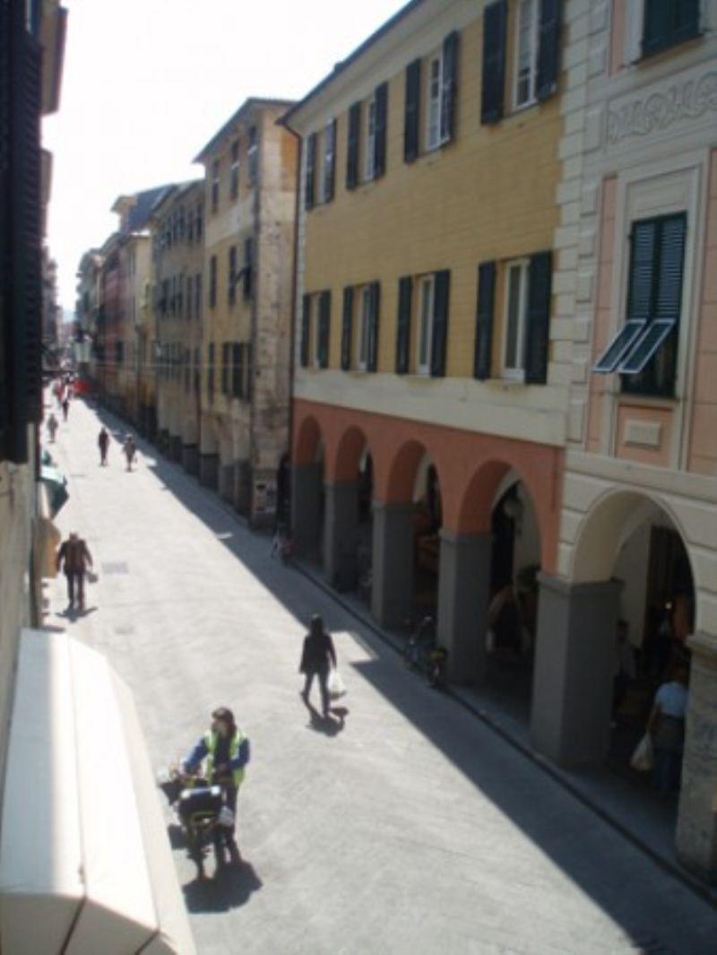 Appartamento in affitto a Chiavari, 5 locali, prezzo € 700   Cambio Casa.it